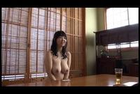 お上品で肉感的な奥様の全裸な私生活に超密着!!